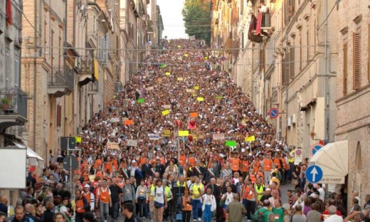 40° Pellegrinaggio Macerata-Loreto, restrizioni per la vendita di bevande in vetro o in lattina. No anche al commercio itinerante