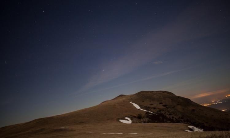 #MoonlightWalk, il 27 luglio un'escursione per ammirare l'eclissi totale di luna da Pizzo Meta