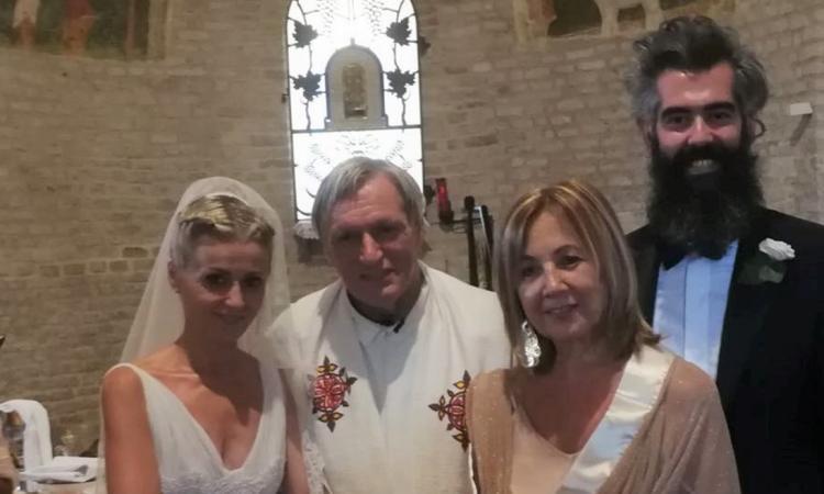 Michele e Pamela uniti in matrimonio da Don Luigi Ciotti