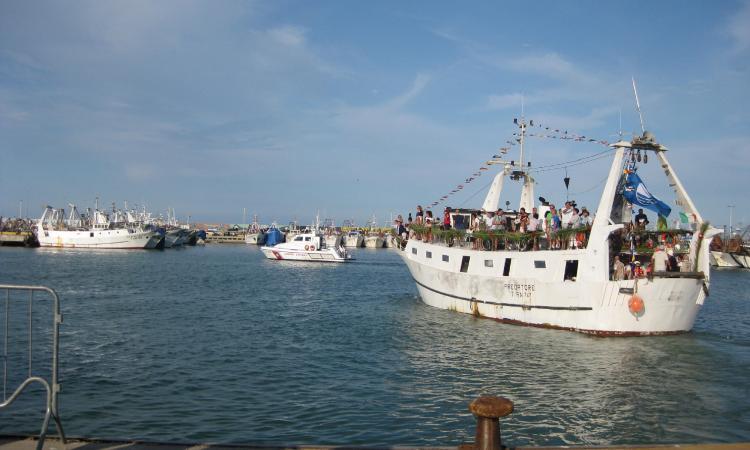Civitanova: torna la processione in mare per celebrare San Marone
