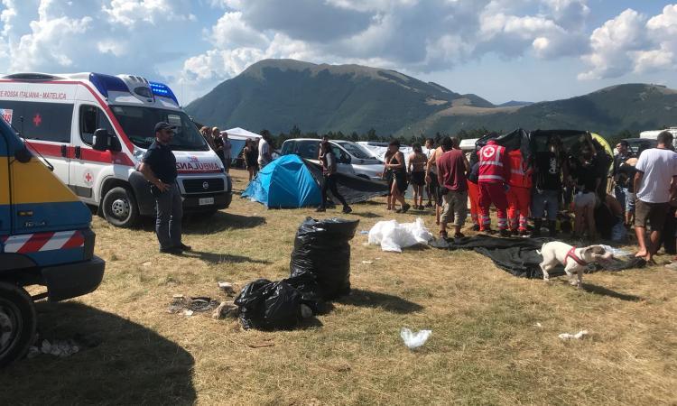 Travolti da un camper mentre sono in tenda al rave sul monte Vermenone: gravissima una ragazza