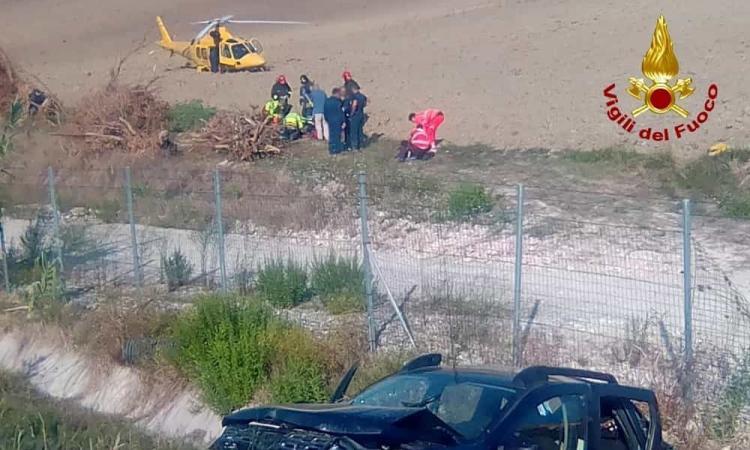 Schianto in autostrada: grave un 29enne di Urbisaglia, feriti i genitori