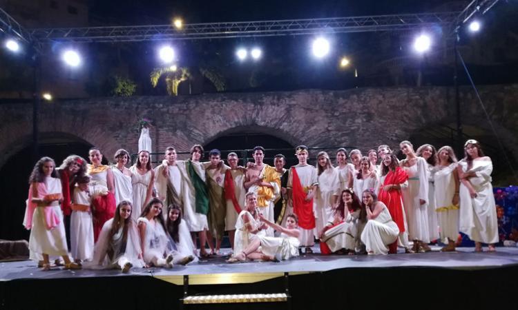 """Ritornati gli studenti del Linguistico di Macerata impegnati in Spagna col progetto """"Lingua, Arte e Teatro"""""""