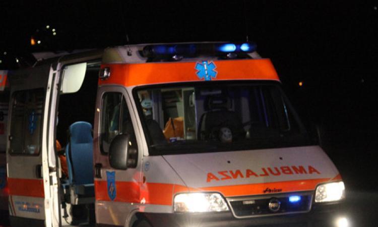 Recanati, carambola fra 5 auto lungo la Regina: 3 feriti trasportati all'ospedale