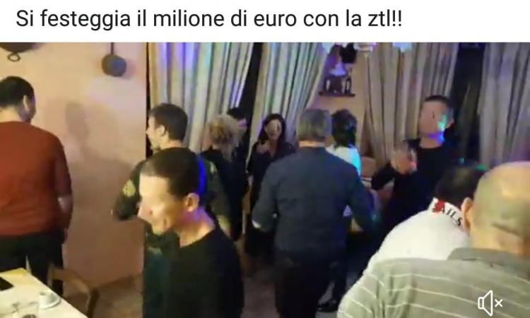 Polizia Municipale in festa per 1 milione di Euro di multe? E' polemica a Porto Recanati dopo un post e un video pubblicati su Facebook (VIDEO)