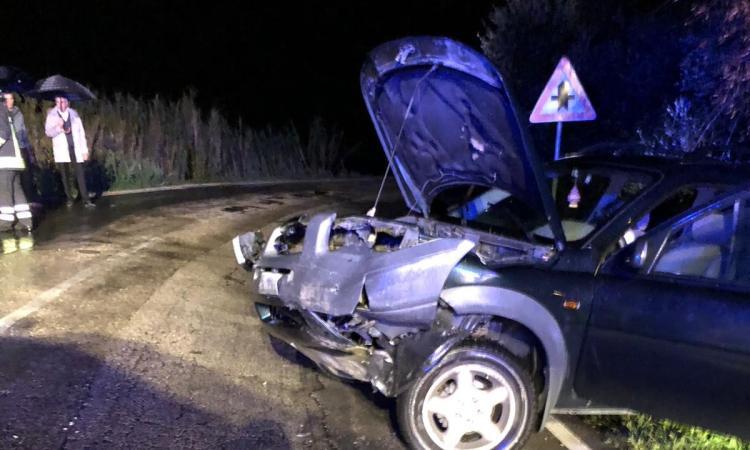 Frontale tra due auto: tre i feriti tra Recanati e Montefano - FOTO