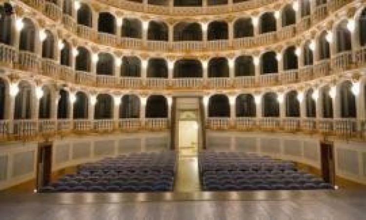 """""""Scuola di platea"""", a Macerata un progetto culturale di crescita dedicato agli studenti"""