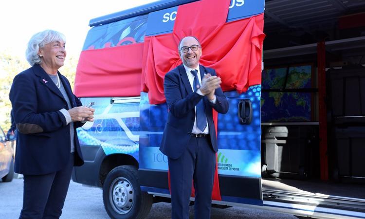"""Camerino, inaugurato oggi il nuovo """"Unicam Science Bus"""" (Foto e Video)"""
