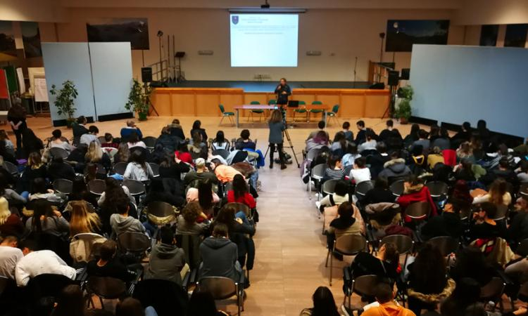 Macerata, Liceo Leopardi: il professor Tondi ospite alla conferenza sul rischio sismico (FOTO)