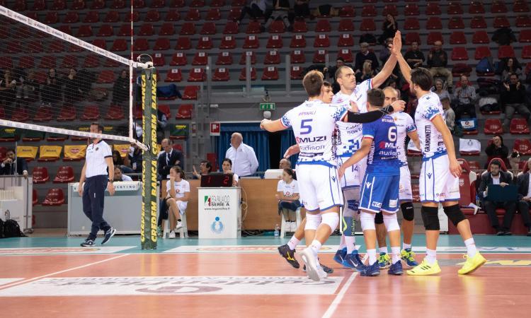 GoldenPlast Potenza Picena, domenica alle 15.30  sfida contro Lamezia