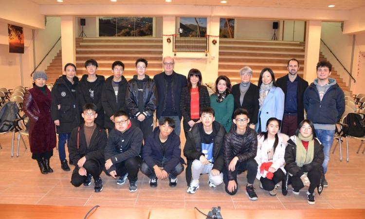 """Studenti di Taicang in visita al """"Matteo Ricci"""" di Macerata (FOTO)"""
