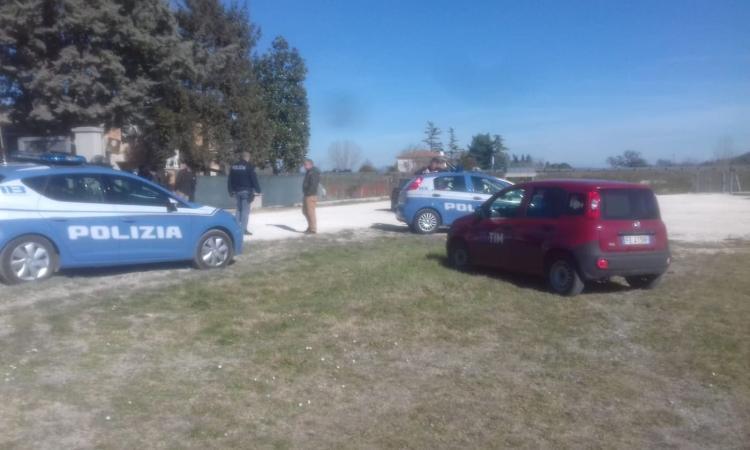 Macerata, tragedia a Villa Potenza: cade da una pianta e muore (FOTO)