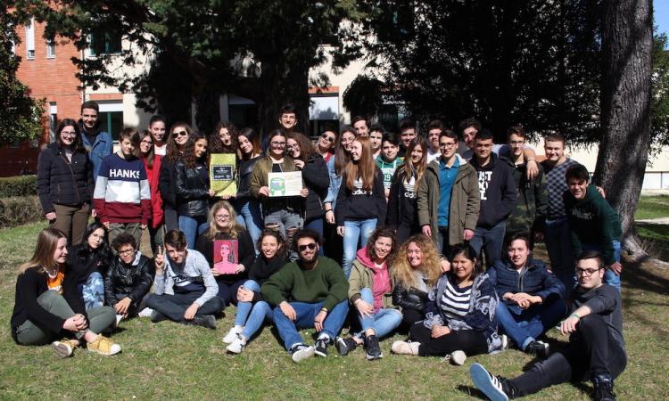 """Macerata, gli studenti dell'Agrario vincono il concorso """"Sulle vie della parità nelle Marche"""""""