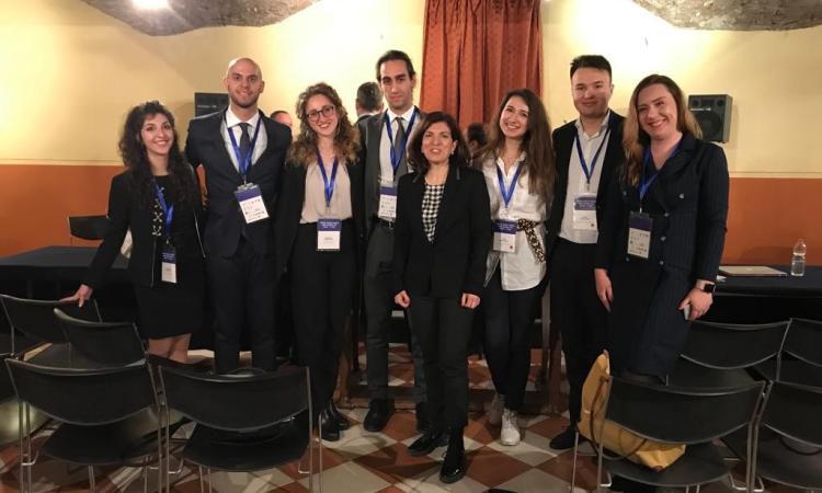 Sfida internazionale tra giuristi: studenti UniMc in finale