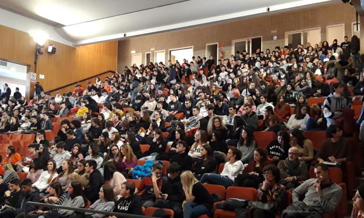 Grande successo ad Unicam per UniStem Day: il Liceo Filelfo di Tolentino vince il premio per il miglior spot