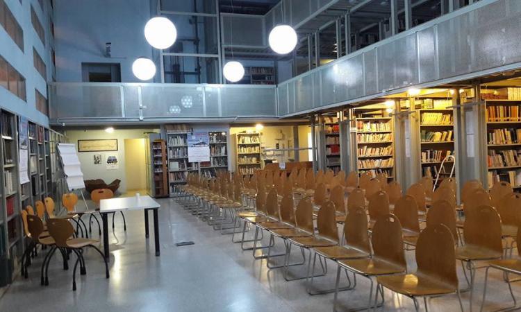 Biblioteca, dal 6 agosto Green pass necessario per occupare un posto in sala studio