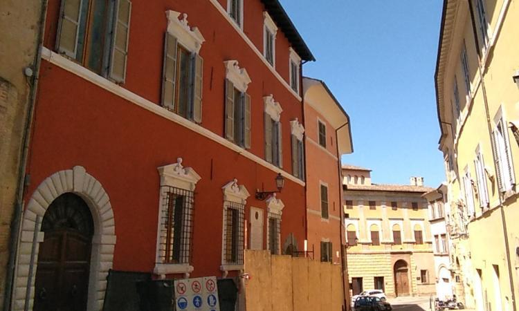 San Severino, torna agibile un edificio in centro con 2 abitazioni e 2 negozi