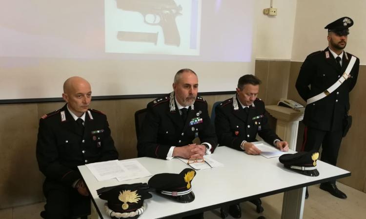Cingoli, spacciavano droga vicino alla pensilina degli autobus: i Carabinieri sequestrano cocaina, marijuana e hashish. Arrestati quattro giovani