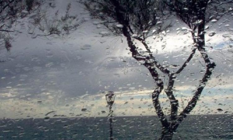 Temporali e temperature in calo: allerta meteo nelle Marche per lunedì 3 agosto