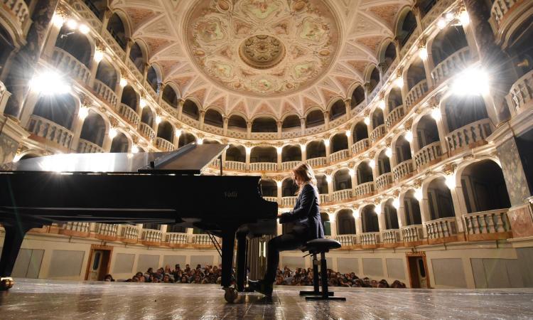 """San Severino: rinviato il concerto della pianista Maceratini, vincitrice del premio """"Maceratese dell'Anno 2019"""""""