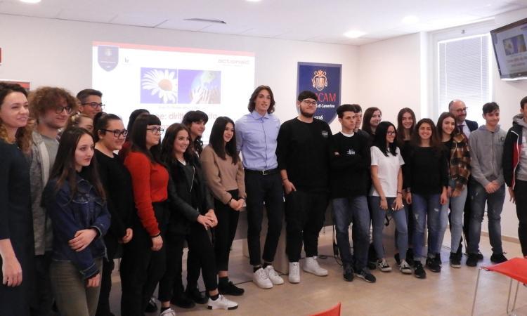"""Unicam, successo per la prima edizione del contest """"Donne: diritto alla vita senza violenza"""""""