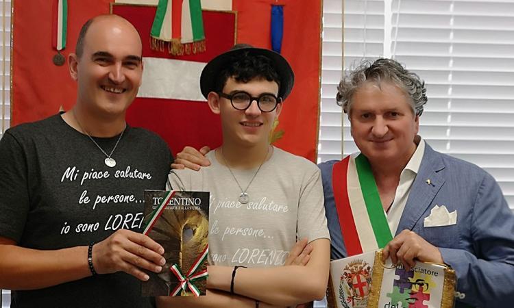 """""""Un sorriso per dare dignità"""": Lorenzo e papà Franco in visita a Tolentino"""