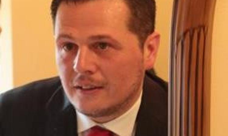 Cingoli, trovato morto all'interno della sua auto in superstrada: malore fatale per un 45enne