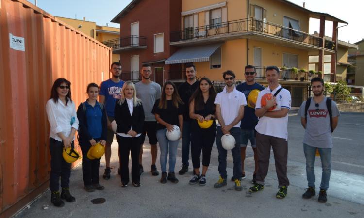 """San Severino, il cantiere in ricostruzione dopo il sisma diventa """"aula"""" per la lezione"""