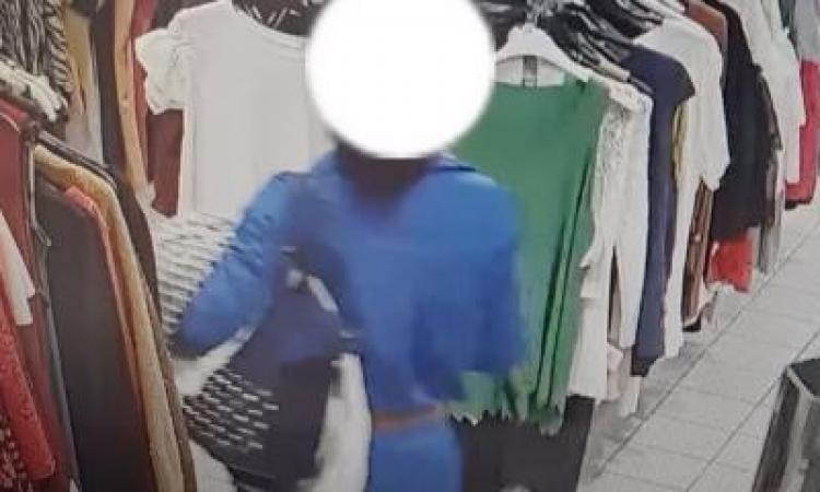 Civitanova, rapina all'Eco Mercatone: donna ruba diversi articoli e aggredisce gli addetti alla sicurezza