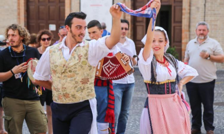 Macerata, torna il festival del Folklore
