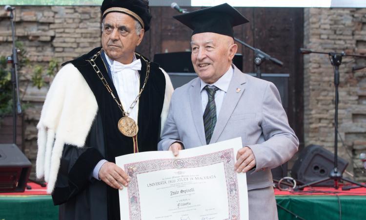 Non solo laurea a 82 anni: Italo Spinelli diventa Cavaliere della Repubblica