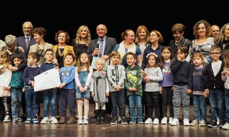 """La BCC a sostegno della cultura: il presidente Bertini premia i vincitori del concorso """"Raccontar...Scrivendo"""""""