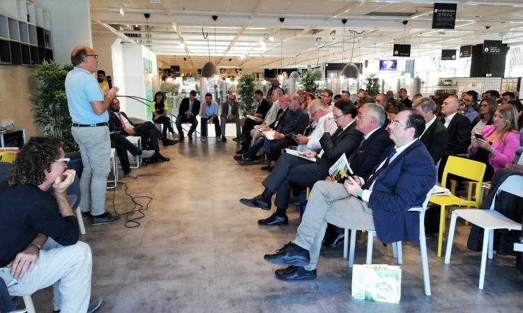 """Macerata provincia virtuosa con il 79,3% di raccolta differenziata: Camporotondo è """"Comune Rifiuti Free"""""""
