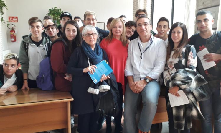 """Studenti dell'Ipsia """"Gilberto Ercoli"""" in visita all'Archivio di Stato di Camerino"""