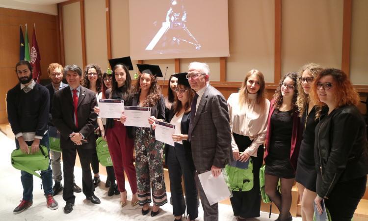 """""""Oggi Macerata è la capitale dello spazio"""": Bernard Foing  alla Scuola """"Leopardi"""" dell'Unimc"""