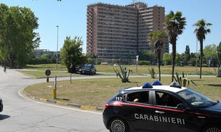 Porto Recanati, rubano energia elettrica ad un condomino: denunciati tre residenti dell'Hotel House