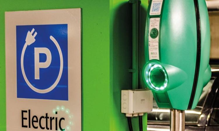 Civitanova diventa eco-sostenibile: arrivano le colonnine per la ricarica di mezzi elettrici