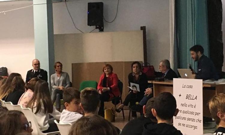 """Tolentino, all'istituto Comprensivo """"Lucatelli"""" si festeggia la Giornata Mondiale della Gentilezza"""