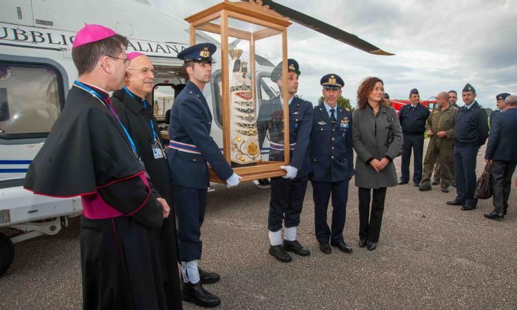 """L'Aeronautica Militare alle celebrazioni lauretane per la """"Festa della Venuta"""""""