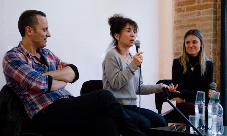 Gli alunni delle scuole di Sarnano e San Ginesio incontrano gli attori Nathalie Guetta e Pietro Pulcini (FOTO)