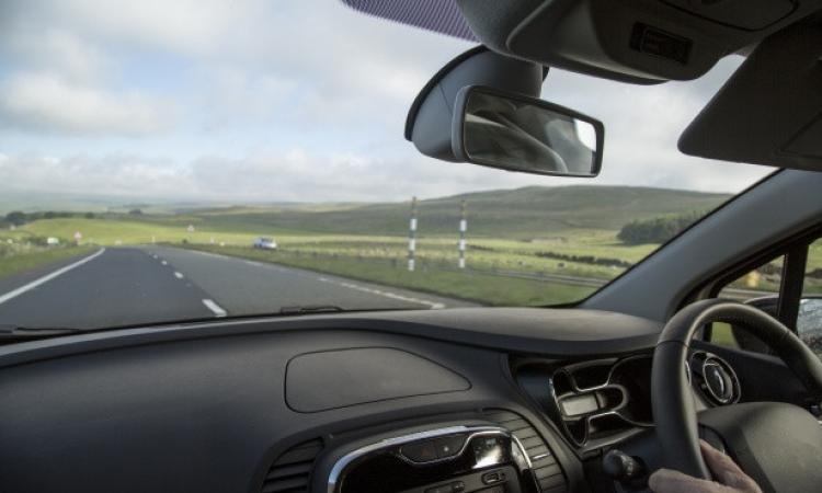 5 segnali per capire se la batteria dell'auto è scarica
