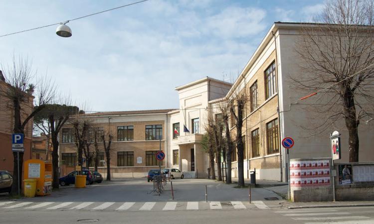 Tolentino, arrivano 90mila euro per l'adeguamento anti-Covid delle aule scolastiche