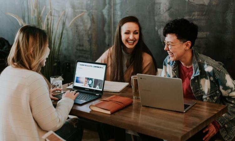 Macerata, Liceo Leopardi: progetto Conthackto, quando il digitale incontra i giovani
