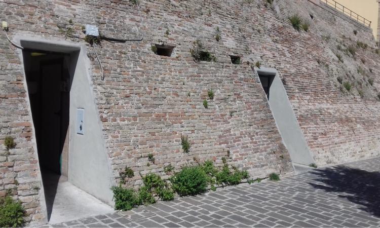 Macerata, lavori di miglioramento per i bagni pubblici di viale Trieste