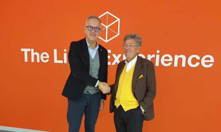 """Il sindaco di Civitanova in visita alla iGuzzini: """"In questa azienda c'é tutto il genio italico"""" (Foto)"""