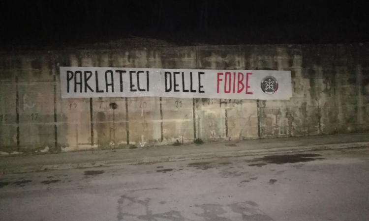 """Macerata, Giorno del Ricordo. Striscione di CasaPound: """"Parlateci delle Foibe"""""""