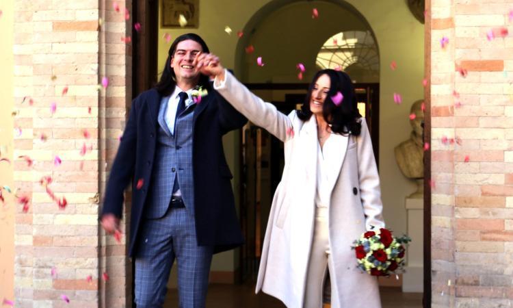 Macerata, Fabrizio e Rossana hanno coronato il loro sogno d'amore in Comune (FOTO)