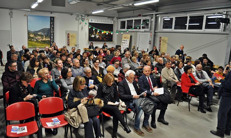 """Caldarola, grande successo per la quinta rassegna de: """"Il Gusto del Teatro"""" (foto)"""