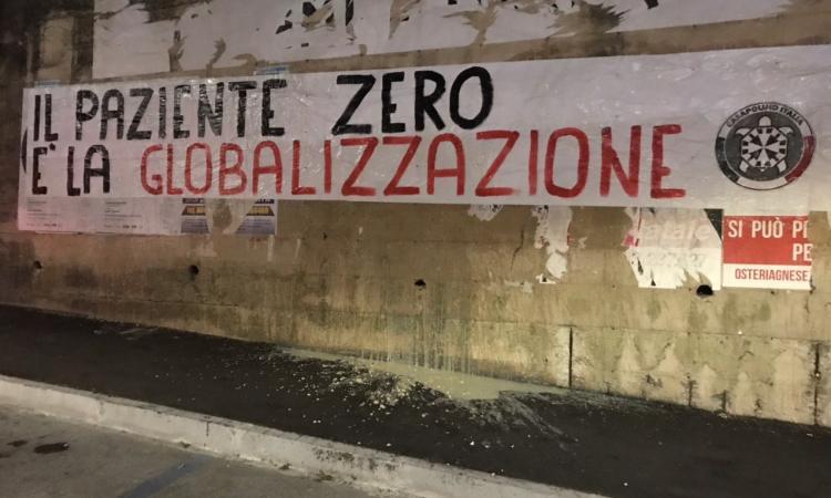 """Macerata, """"Il paziente zero è la globalizzazione"""", striscione di CasaPound sul Coronavirus"""