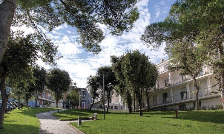 Civitanova, dal Covid-Hospital a Villa Pini: tampone ai pazienti trasferiti, reparto isolato